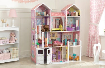 Dollhouses and Doll Houses